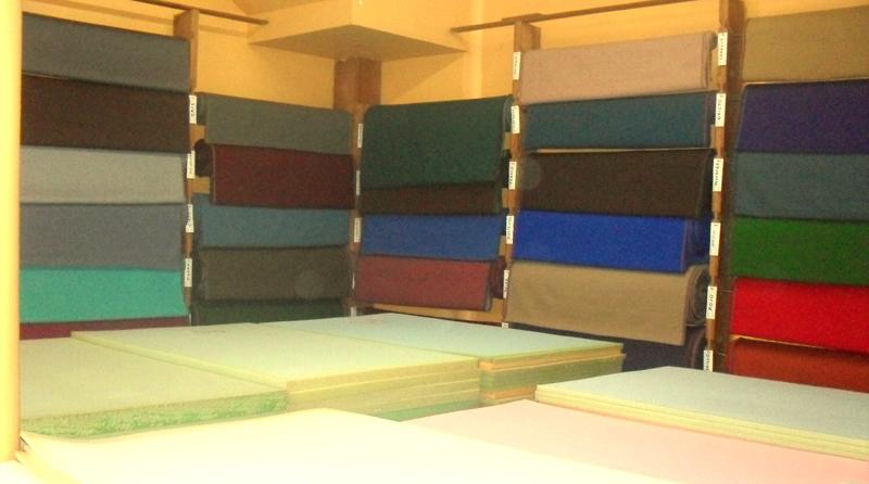 Interior de tienda en Portales CDMX modelos en telas para diseñador, nuevos modelos